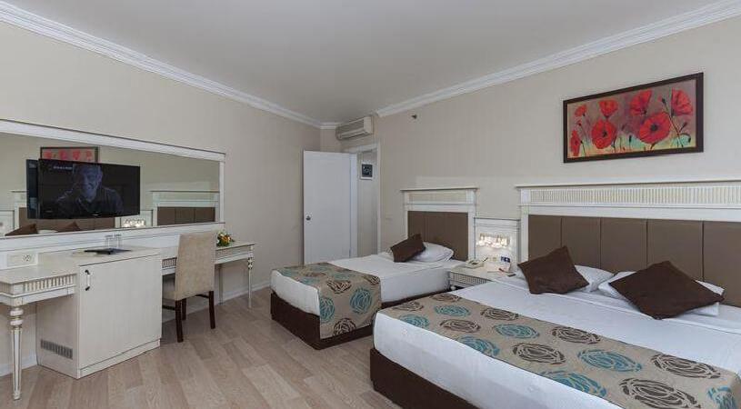 PrimaSol Hane Family Hotel